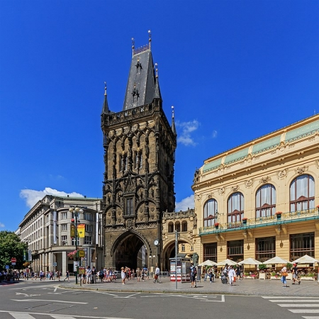 720px-Prague_07-2016_Powder_Tower_from_Republic_Square