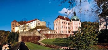 Let´s walk through the history of Castle Becov