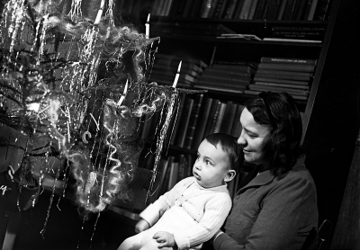 Petr Baum with his mother at the Christmas tree on